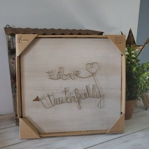 "Gold ""love truthfully"" wire wall hanging decor"